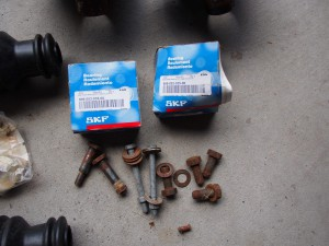 Wheel bearings and bolts