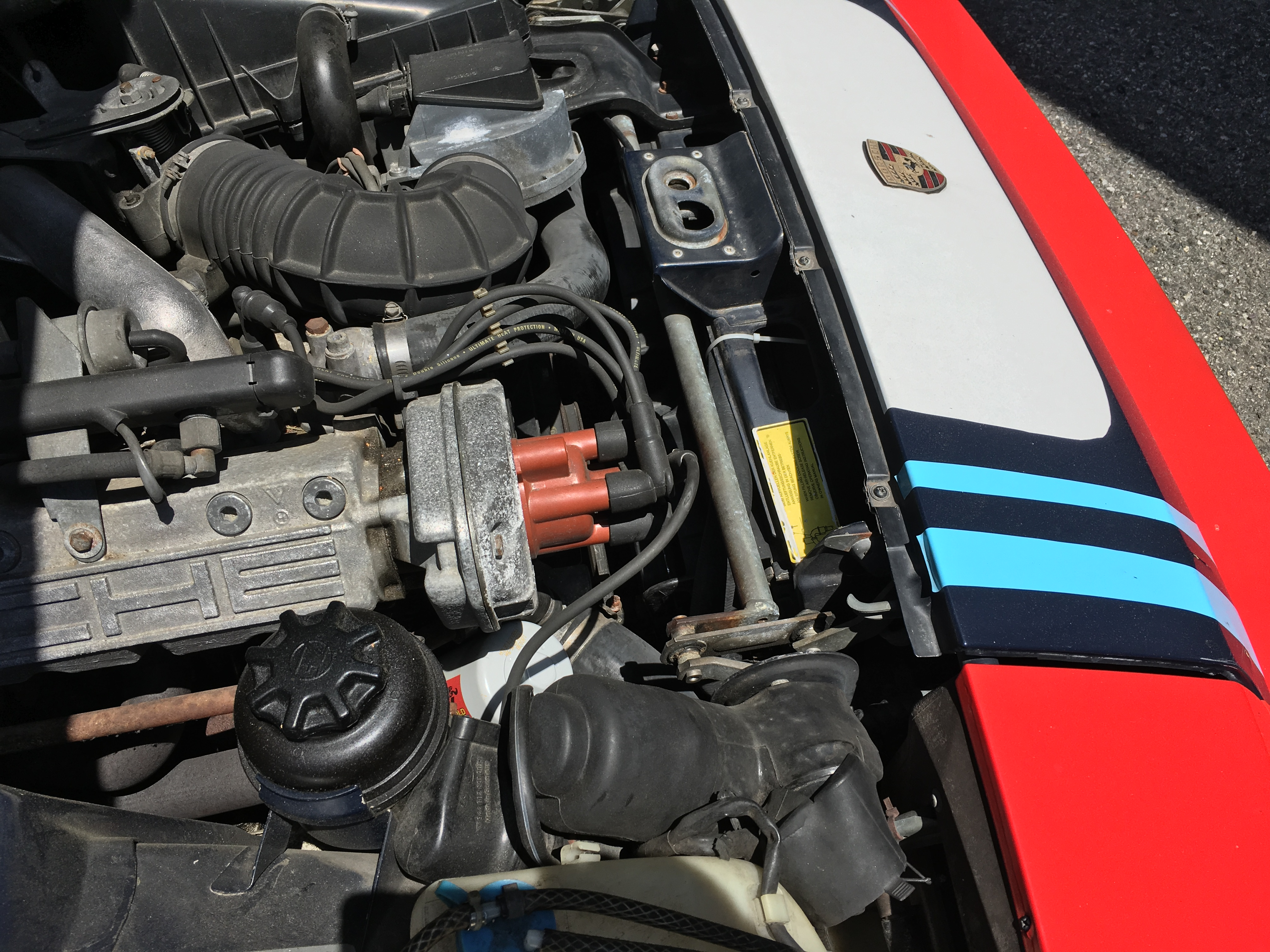 86 porsche 944 engine bay